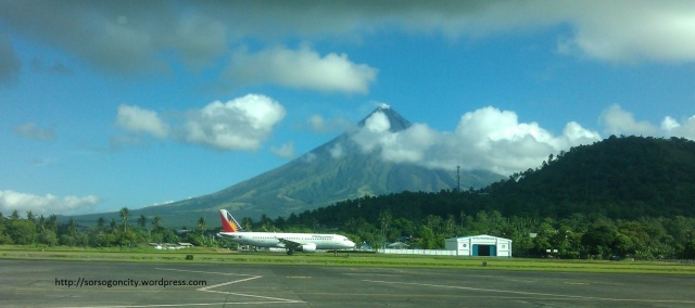 A PAL plane taxis on Legazpi Domestic Airport.